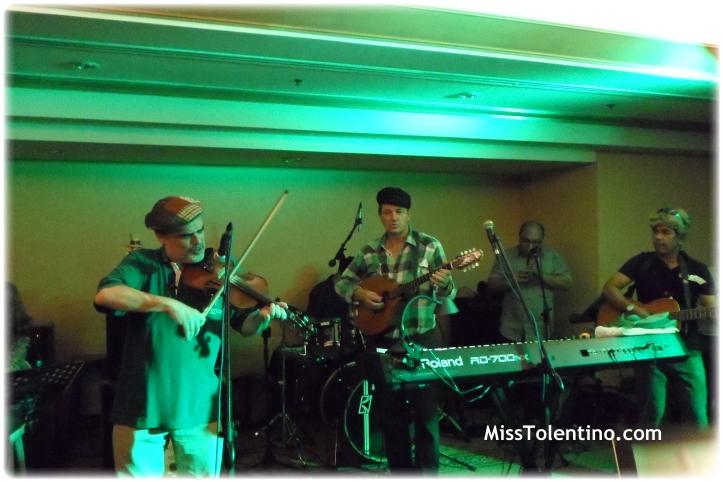 Irish band in full swing ♥