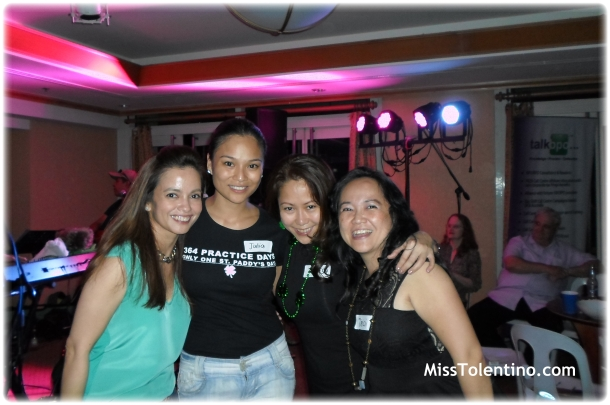 Dancing with Julia, Heidi, Trish and lady in green ♥