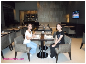 My roomie and I having breakfast at the hotel before heading out to Tagaytay. When the food is good, life is great ;-) Thank you to our sponsors, Deb and Alex.