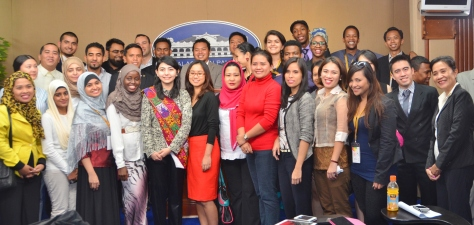 Supported by the Autonomous Region in Muslim Mindanao (ARMM), the National Commission on Muslim Filipinos (NCMF) and Naza World, the WYF 2014 was specially designed to shape future business leaders from all around the world, instilling in them a profound entrepreneurial mind-set and a strong sense of social purpose. The 7-day intensive programme was attended by 24 young leaders from 16 countries including the United Kingdom, Iraq, Russia, the United States of America, South Africa, Singapore, Philippines and Malaysia.