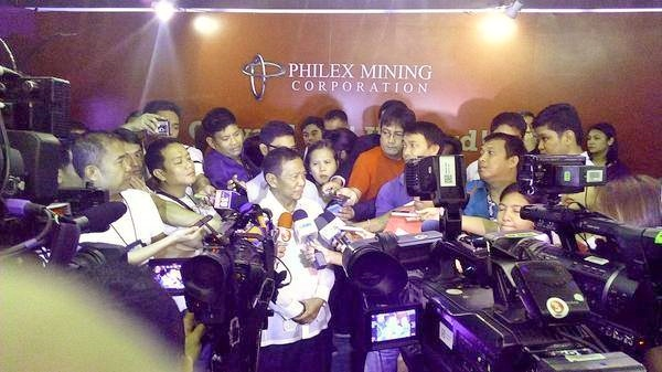 Vice President Jejomar Binay graces Mining Philippines 2014. Rumored potential Binay-MVP tandem on 2016. Speech non-committal about mining industry policy changes.