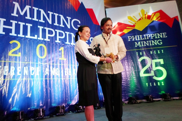 Mining Philippines 2014 kicks off with Sen. Grace Poe as guest speaker for the first of the three day event. Featured with Poe is Chamber of Mines President Mr. Philip Benjamin Romualdez.