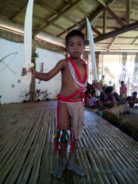 An IP boy from the Bataraza tribe showing his sword play skills.
